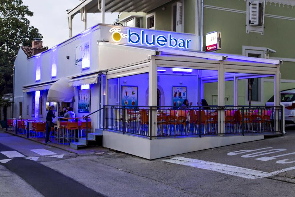 BLUE BAR VRSAR