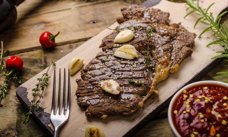 BIFTEK, MESNI SPECIJALITETI / STEAK, MEAT DISHES