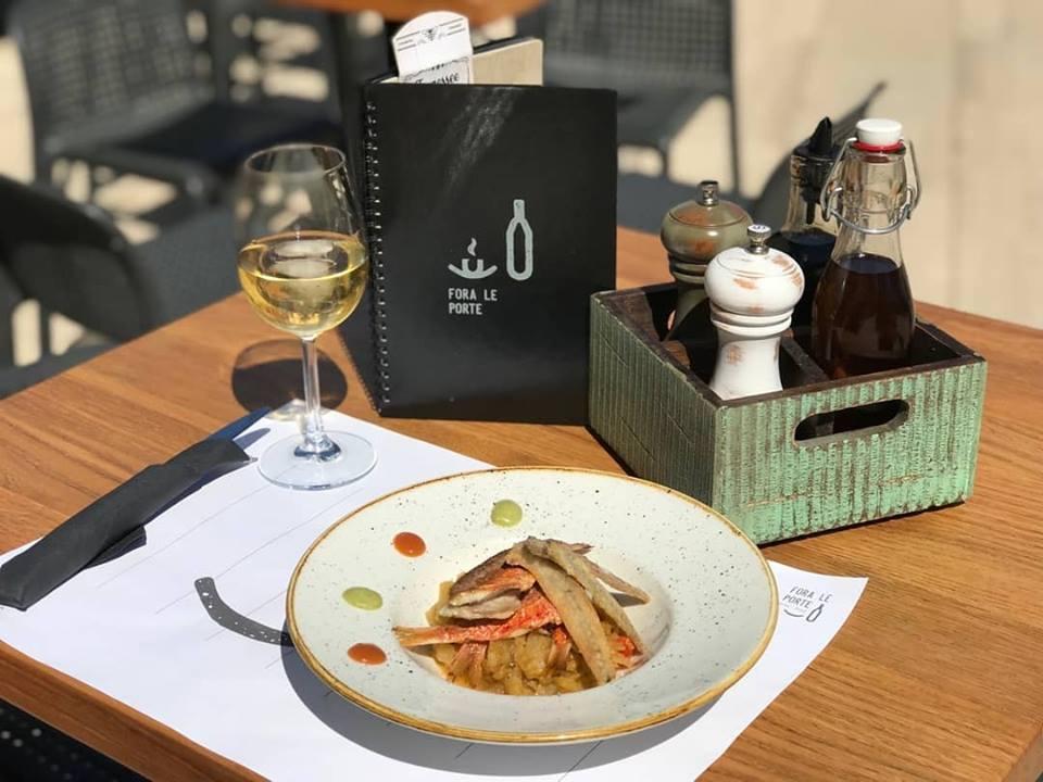 WINE & FOOD BAR FORA LE PORTE