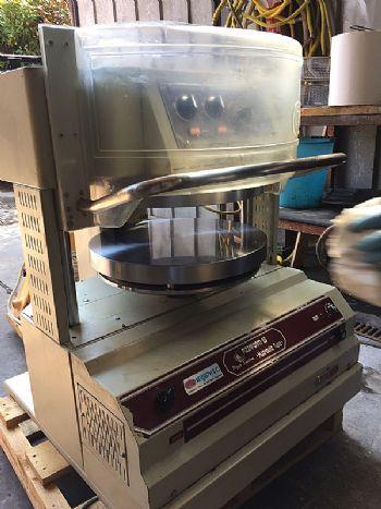 Mašina za oblikovanje tijeta za pizzu OEM (rabljena)
