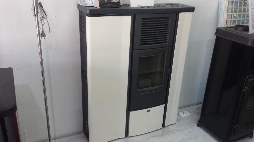 Peć na Pelet  Superior LIA 8.5 kW Izložbeni primjerak 12,999.00 kn