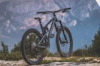 Nova bike trgovina u Labinu: Prodaja bicikli, biciklističke opreme i odjeće