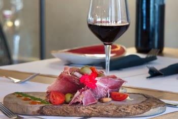 Fora le porte osvaja na prvu: Odlična domaća hrana i prekrasan interijer (video)