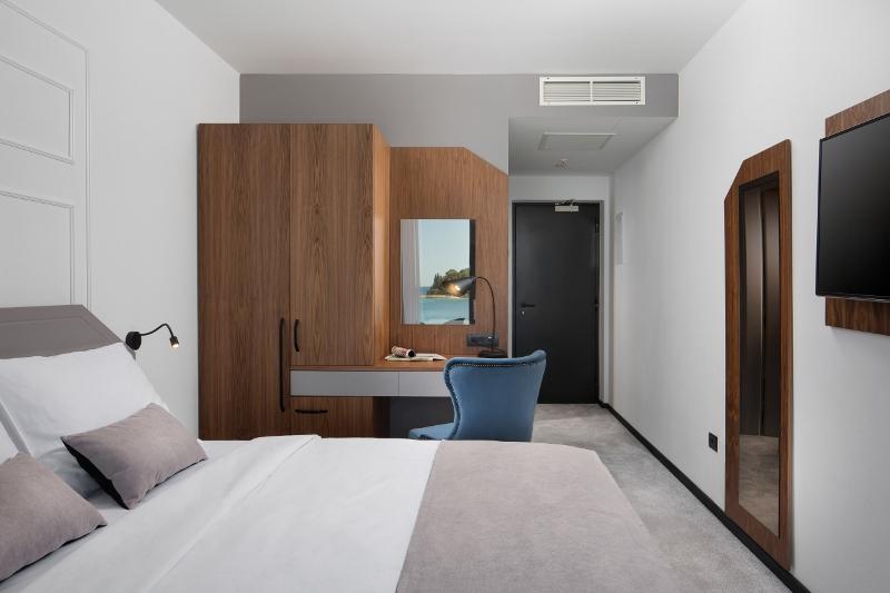 HOTEL DELFIN | RESTORAN TRAMONTO