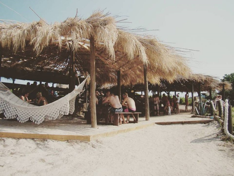 SUNSHINE LEVAN BEACH BAR & RESTAURANT
