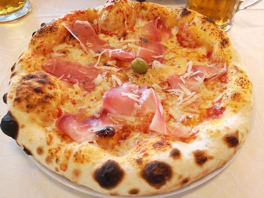 Pizza, Funtana, Porec, pizzeria zeleni Park