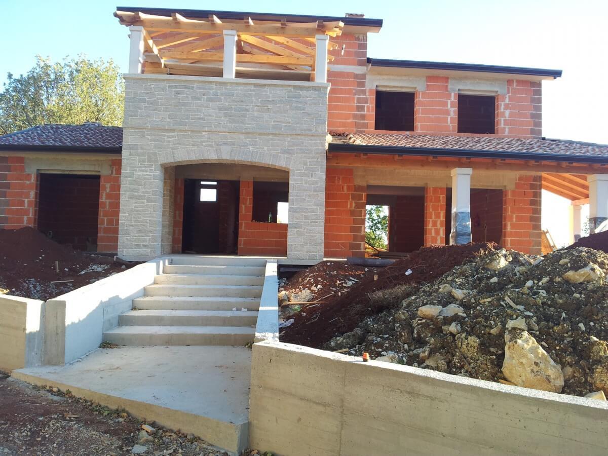 Gradnja i adaptacija kuće, Pazin
