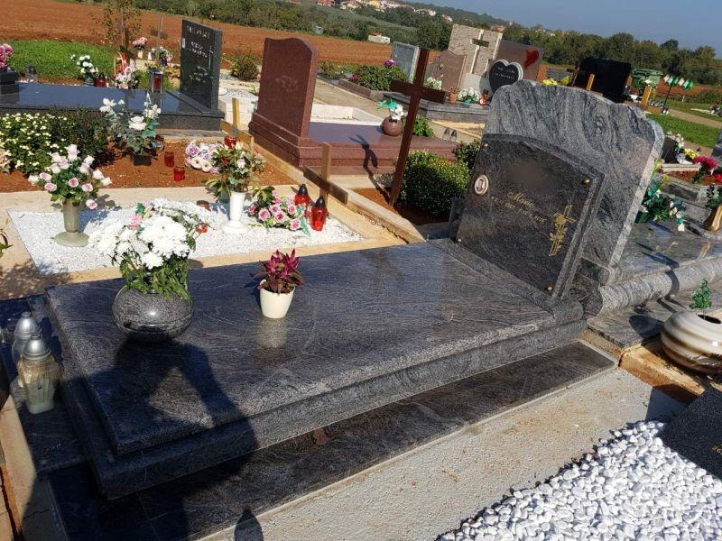 Nadgrobni spomenici, Martinovka