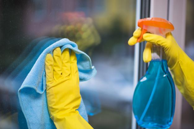 Čišćenje prozora na visini