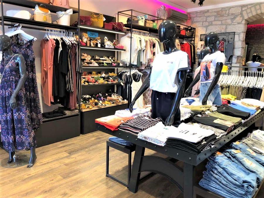 Trgovina cipela i odjeće, Niki Shoes, Pazin