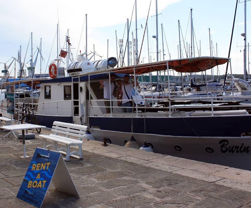 Boat trip Pula