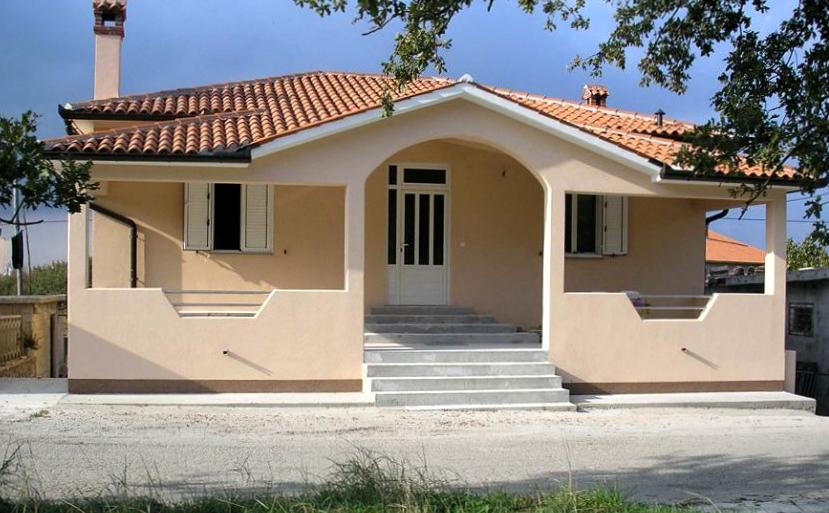 Fasade demit, termo, Labin, Istra