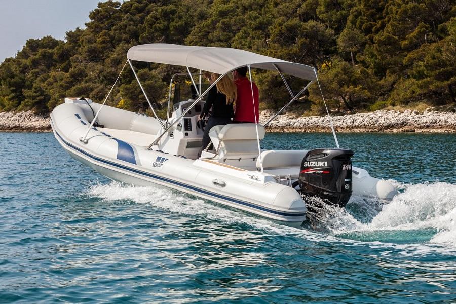 Vala charter, Pula, najam plovila sa skiperom