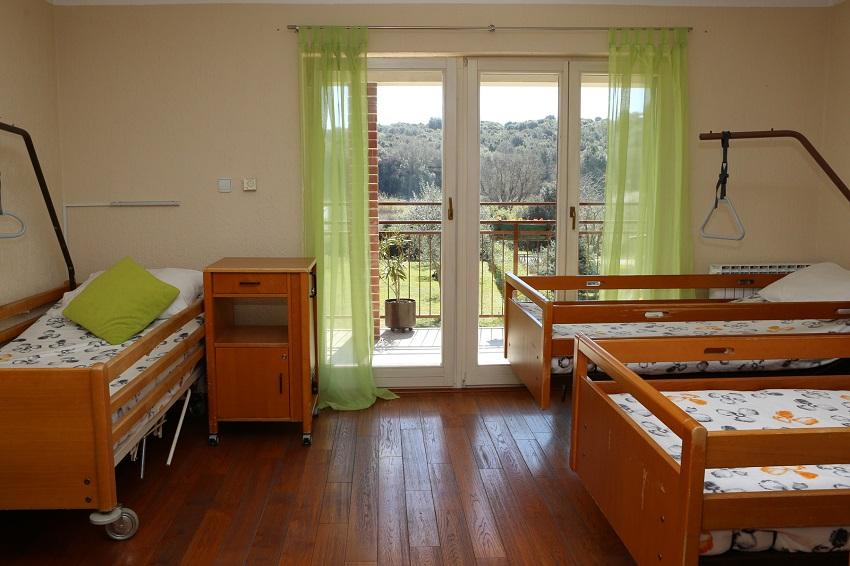 Starački dom, Pula, Istra