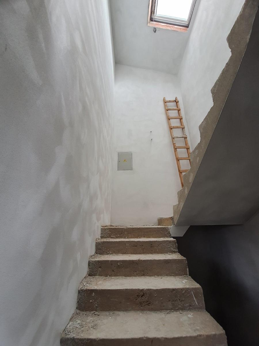 žbukanje visokih zidova Pula