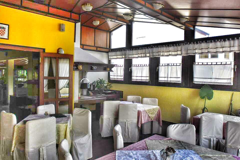 Hostel restoran Vala Valbandon