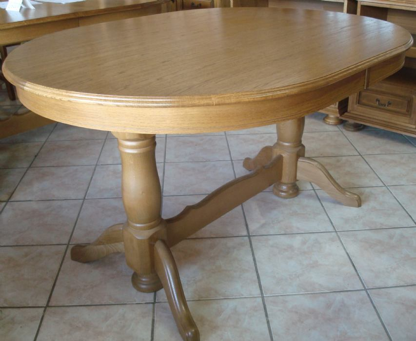 Trebam ponudu za izradu masivnog stola sa klupama