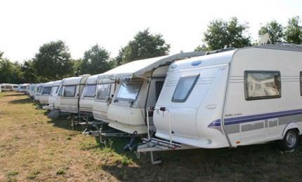 Trebam ponudu za prijevoz kamp prikolice