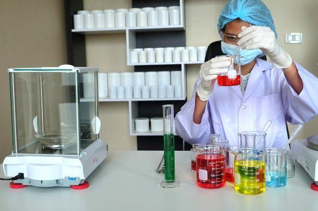 Radnik u laboratoriju (m/ž)