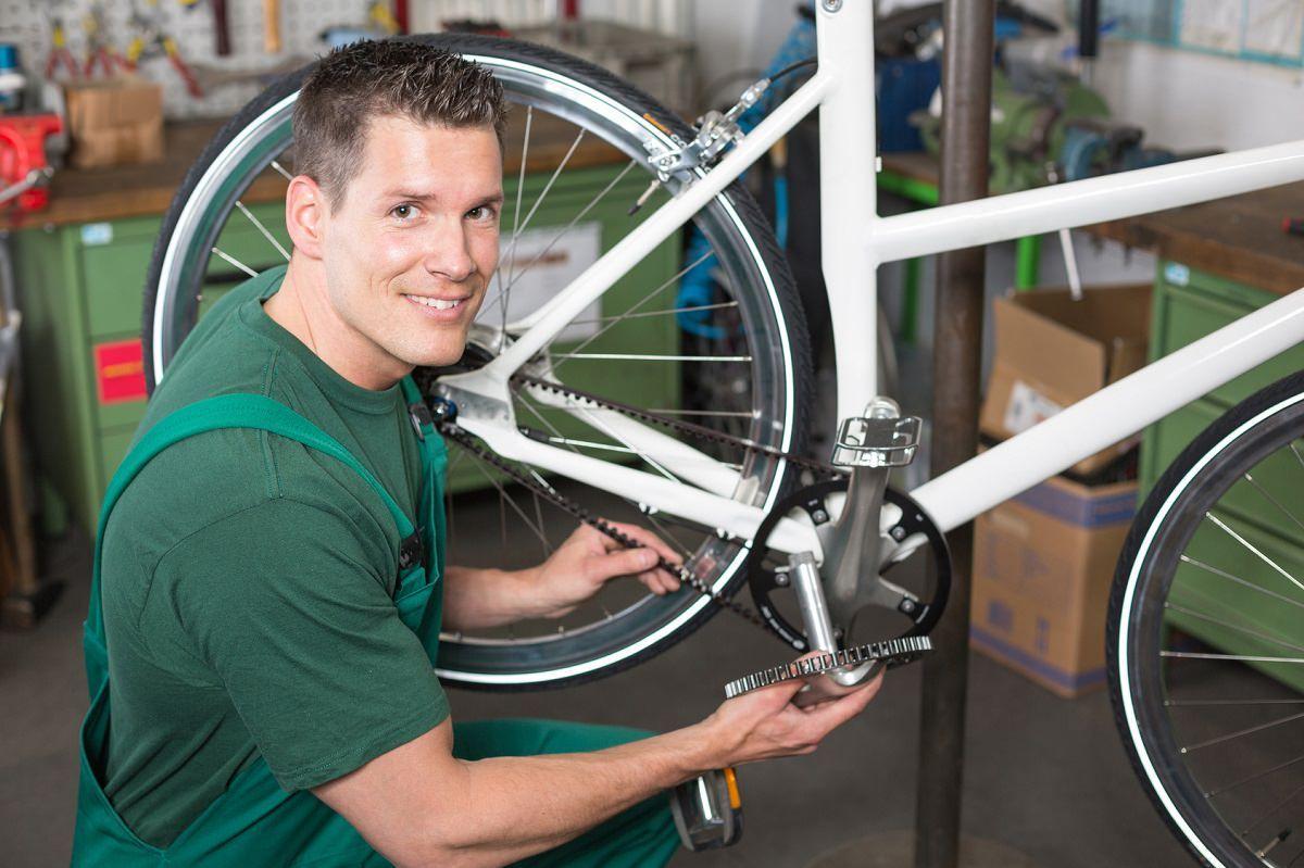 Radnik na montaži bicikala (m/ž)