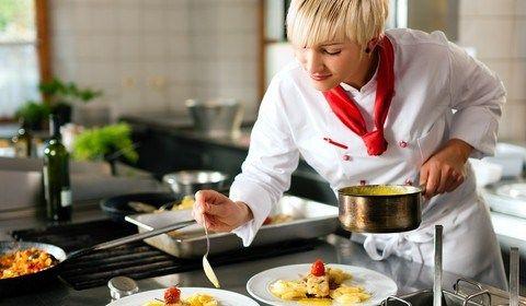 Pomoćni kuhar (m/ž) | Voditelj kuhinje (m/ž)