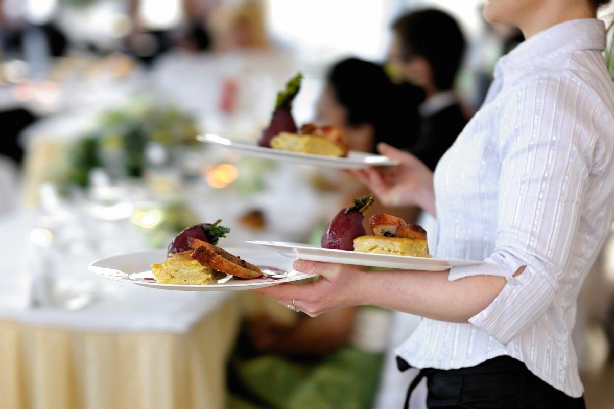 Pomoćni konobari (m/ž)