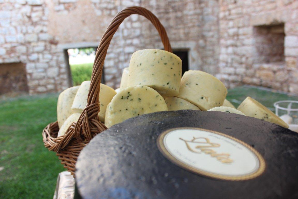 OPG Zlata iz Čepić Polja najbolji sirar 6. Festivala sira u Savičenti