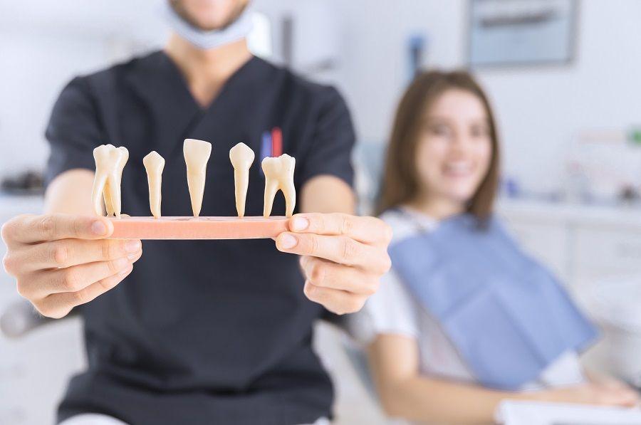 Što je parodontoza i kako je liječiti?