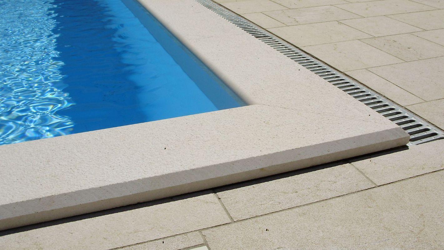 Trebam ponudu za postavljanje rubnog kamena oko bazena
