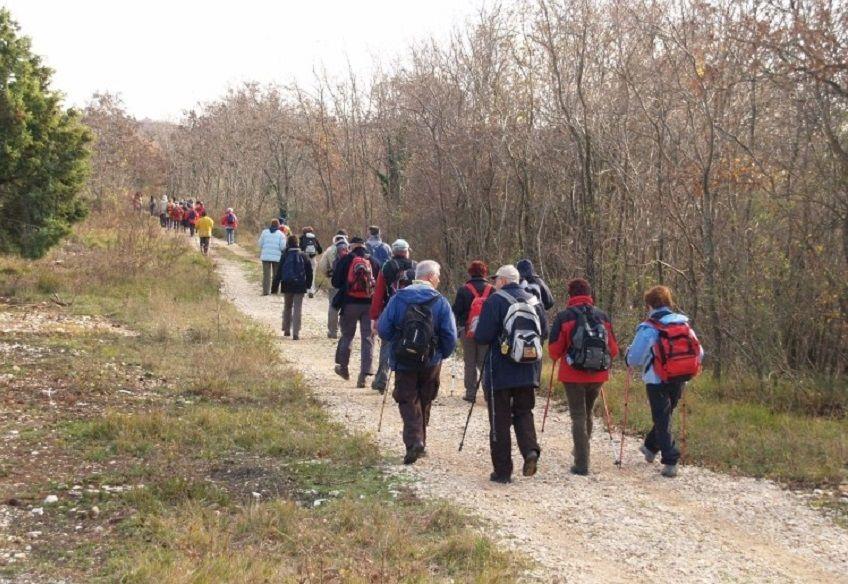 Zimska rekreacija: Pješački pohod Parenzanom