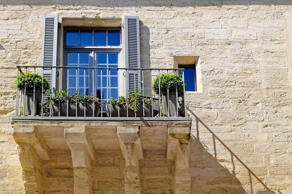 Trebam ponudu za balkonsku ogradu