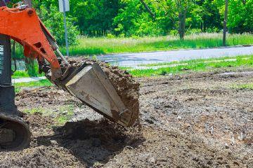 Trebam ponudu za čišćenje parcele u Medulinu