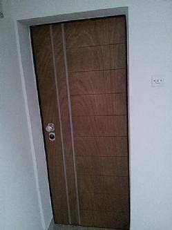 Ukoliko vam vrata ne zatvaraju ili teško zatvaraju i otvaraju obratite se da ne ostanete zaključani.